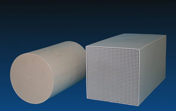 Ceramic honeycombs for ventilation systems